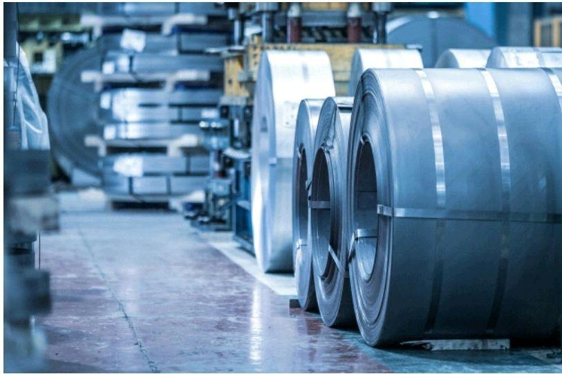 ضرروت عرضه کل محصولات زنجیره فولاد در بورس کالا