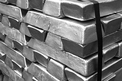 در بورس فلزات لندن؛ آلومینیوم ۵.۵ دلار گران شد