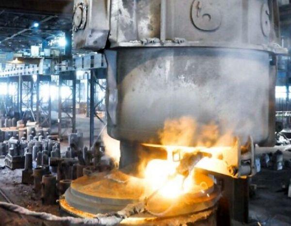 شمش سنگین ۹۵ تن فولادی در مجتمع صنعتی اسفراین ریخته گری شد